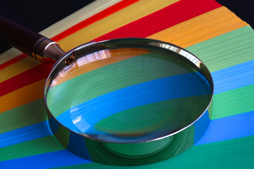 how to make a giant magnifying glass prop
